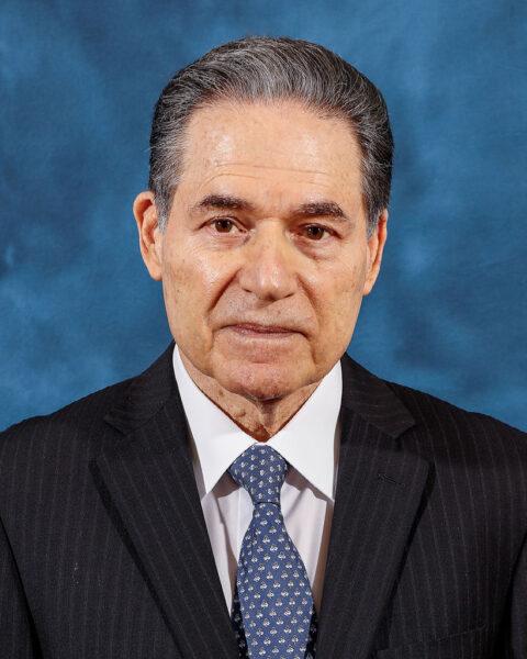 Aristides Royo, ministro para Asuntos del Canal y Presidente de la Junta Directiva del Canal de Panamá - El Faro