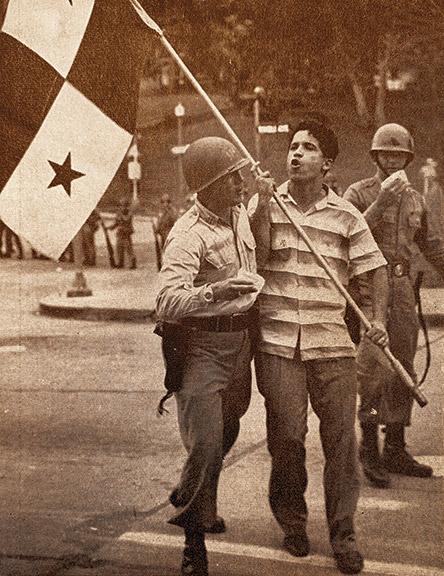 """Fotos publicadas con el artículo """"Why do they hate us"""", escrito por Harold H. Martin, el 23 de abril de 1960."""
