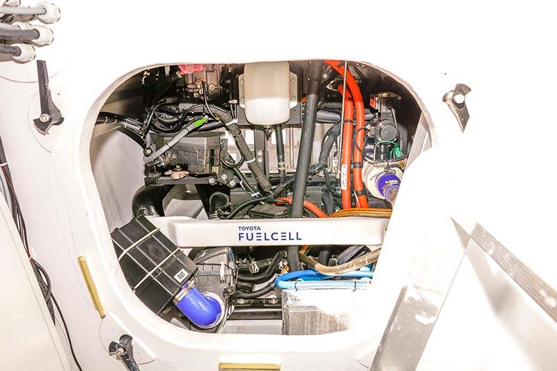 El Energy Observer es una nave modelo a base de propulsión de energías renovables.